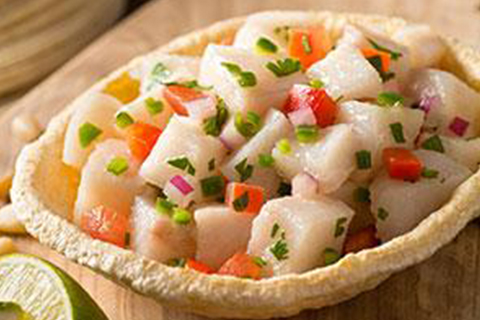 Ceviche en coupelles de tortillas